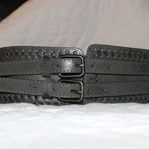 Accessories - Sz S Wide waist cinching belt, 3.5 inches